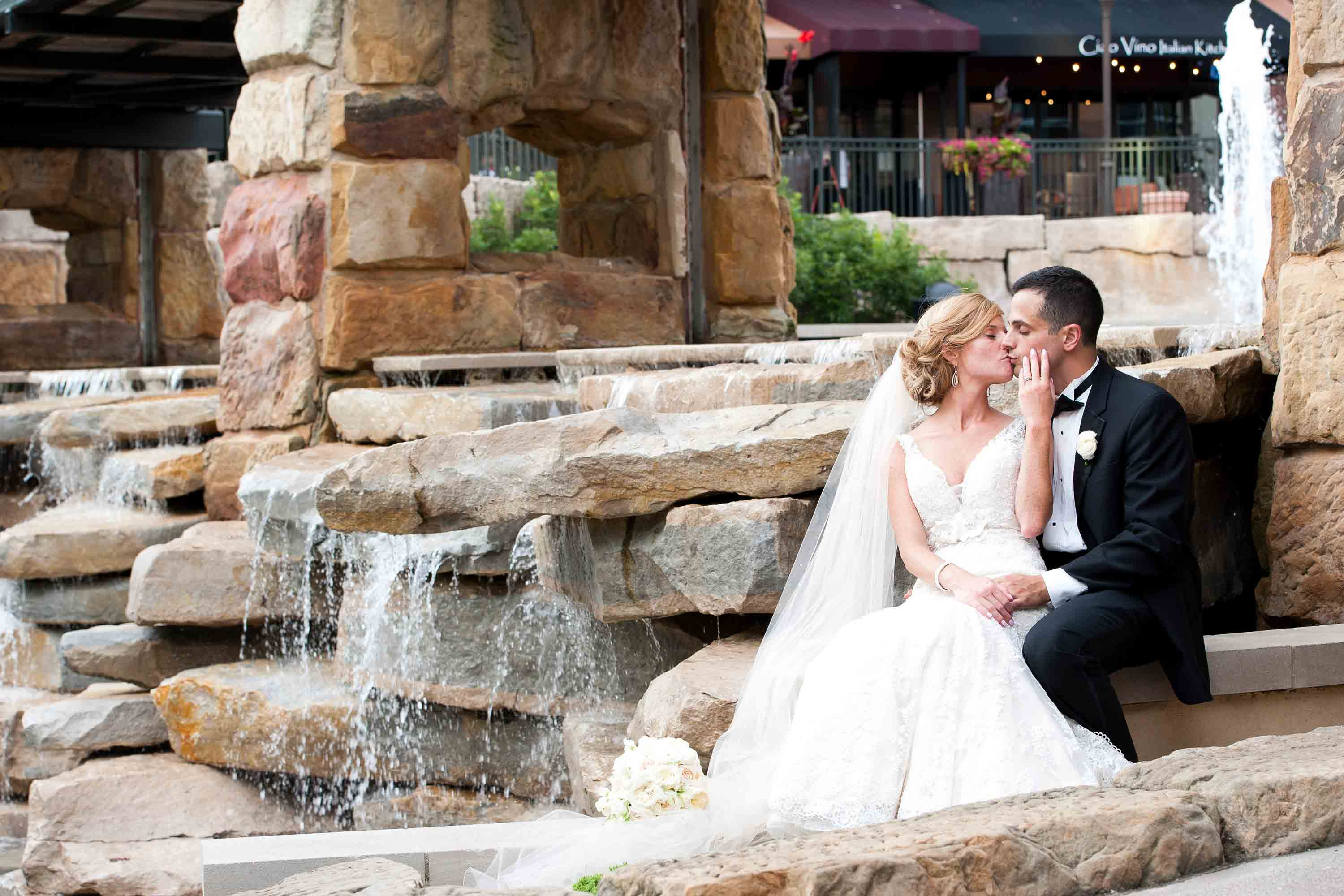 Newlyweds Fountain Kiss